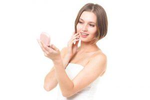 ほうれい線が老け顔を作る?ほうれい線の原因と対策