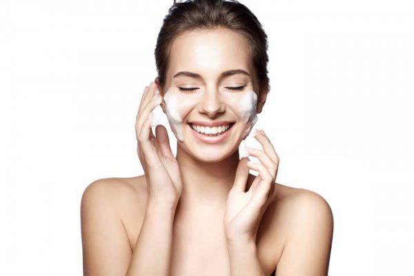 美白ケアも洗顔料でできる?抗酸化作用のある洗顔料で美白しながら毛穴ケア